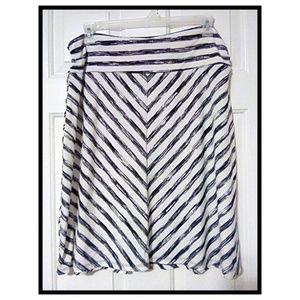 Faded Glory Black White Chevron Stripe Midi Skirt